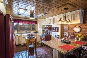 Kitchen-Remodel---Whit