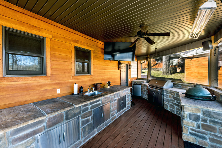 janacek-remodeling-outdoor-kitchen-deck-bar